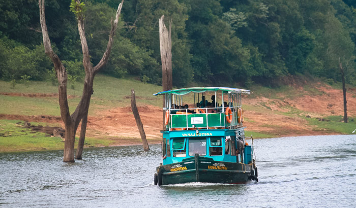 DD-Boating in Periyar Lake + Kerala Martial Art +Kathakali Dance  (Rs-1000/person)